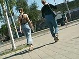 Zwei heisse Ladys zwei sexy PoPos
