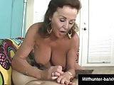 Ana Bekuta - classy mom