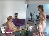 Nude reporter Zita